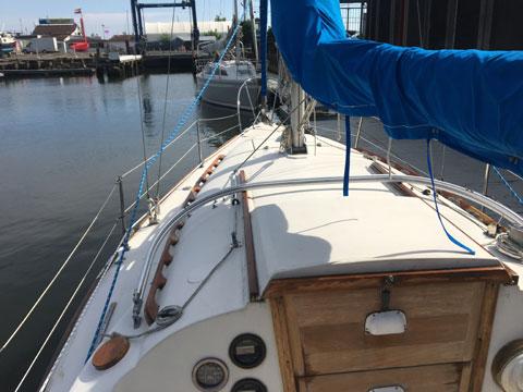 Tanzer 27, 1984 sailboat