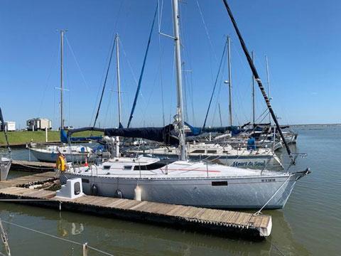 Beneteau Oceanis 350, 1989 sailboat