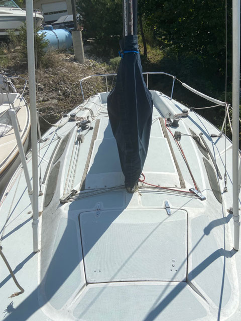 Catalina Capri 25, 1982 sailboat