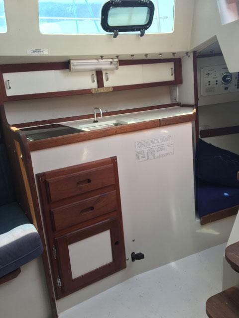 Catalina Capri 26, 1996 sailboat