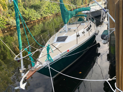 Catalina 30, 1988 sailboat