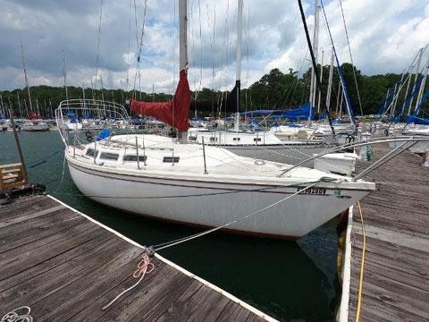 Catalina 30, 1975 sailboat