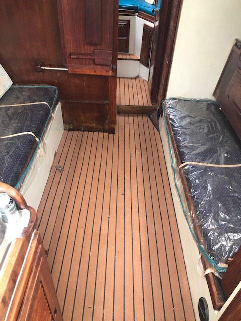 Downeaster 32, 1976 sailboat