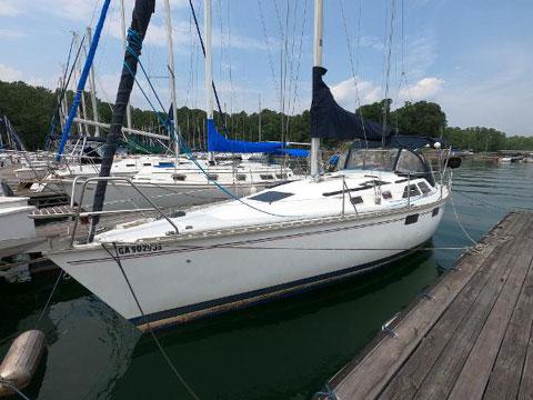 Hunter 355, 1995 sailboat