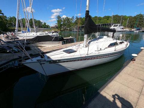 Kirby 30, 1981 sailboat