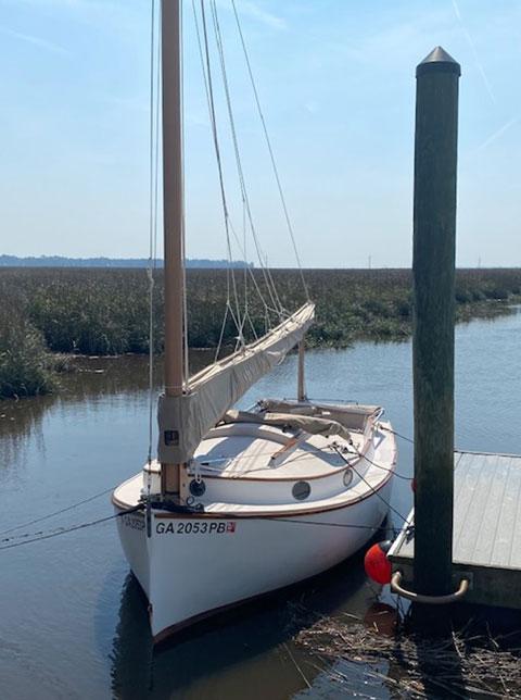 Menger 19 Catboat, 2002 sailboat