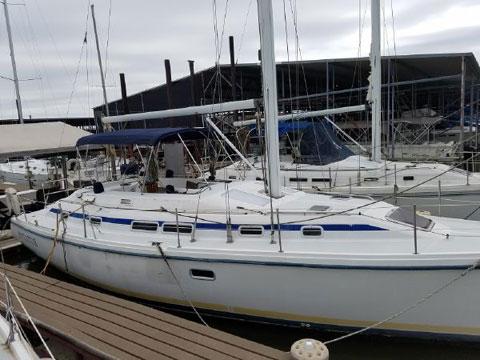 Catalina Morgan 38, 1993 sailboat