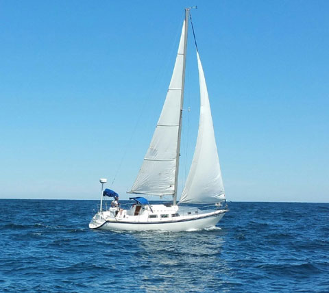 Newport 33', 1987 sailboat