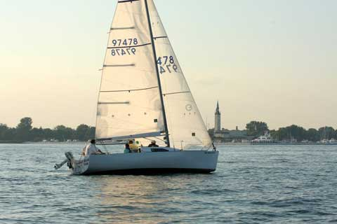 B 25 1988 Detroit Michigan Sailboat For Sale From