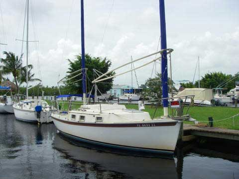 Beachcomber 25', 1982 sailboat