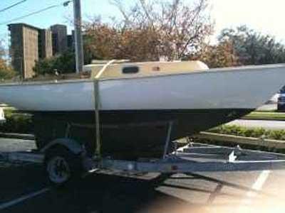 Bristol 19, 1966 sailboat