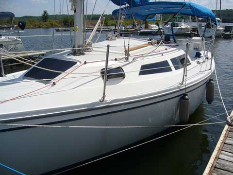 Catalina Capri 26, 1995 sailboat