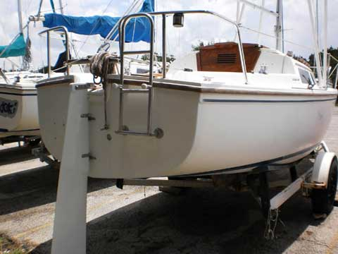 Catalina 22 Swing Keel, 1986 sailboat