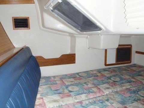 Catalina 320, 2004 sailboat