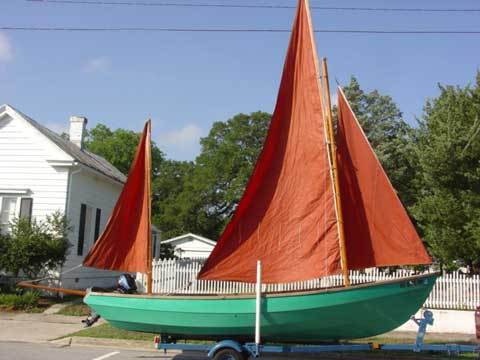 Drascombe Lugger, 1979 sailboat