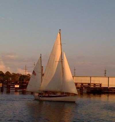 Herreshoff 28, 1980 sailboat