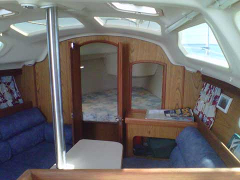 Hunter 310 2000 sailboat VIDEO, click to start