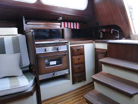 Islander 36, 1976 sailboat