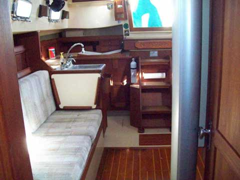 Island Packet 29, 1992 sailboat