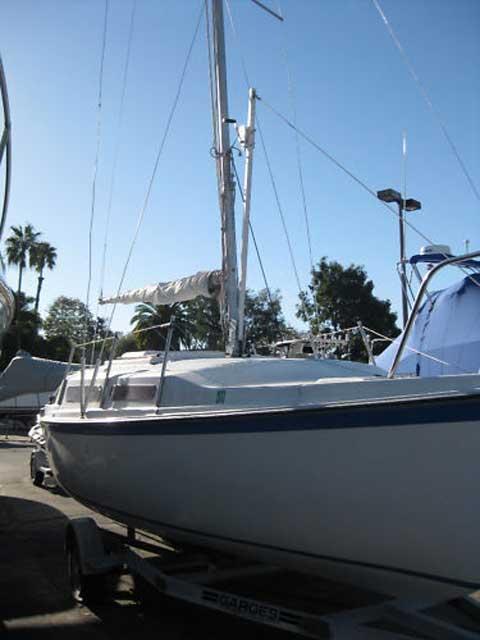 Macgregor 25  1983  Los Angeles  California  Sailboat For