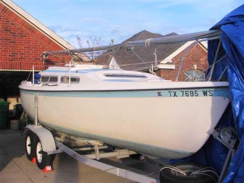 MacGregor 25 (swing keel, 1978 sailboat