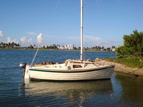 Montgomery 17, 1983, Miami, Florida, sailboat for sale ...