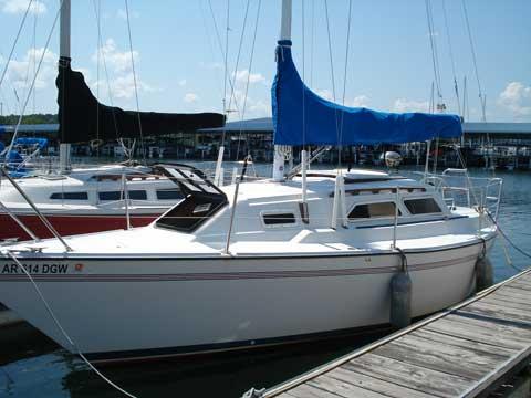 Pearson Triton 27', 1985 sailboat
