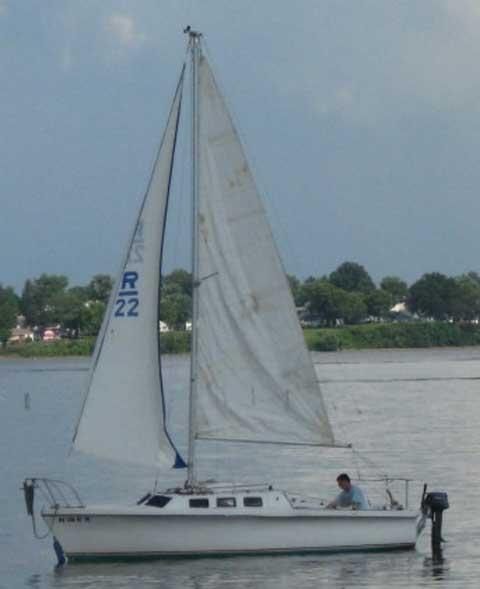 Rhodes 22, 1979 sailboat