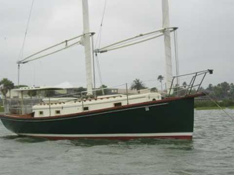Sandpiper 32 Sharpie, 1978 sailboat