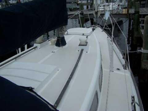 TARTAN 30, 1974 sailboat