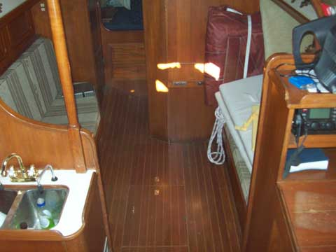 Ta Shing Yachts Ba Ba 30, 1985 sailboat