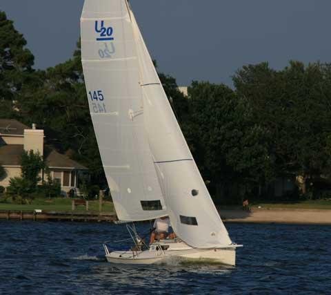 Ultimate 20, 2000 sailboat