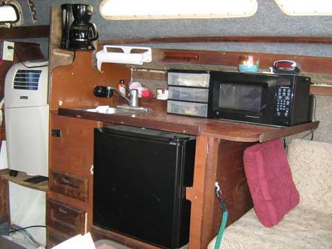 US 27, 1982 sailboat