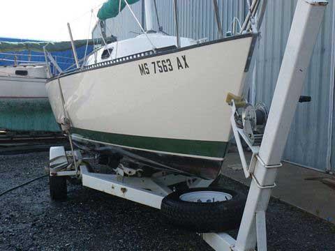 S2 6.9 (22'), 1985 sailboat