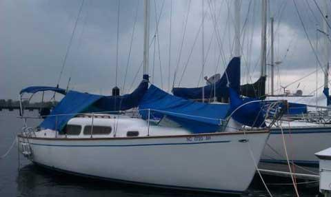 Admiral 27, 1973 sailboat
