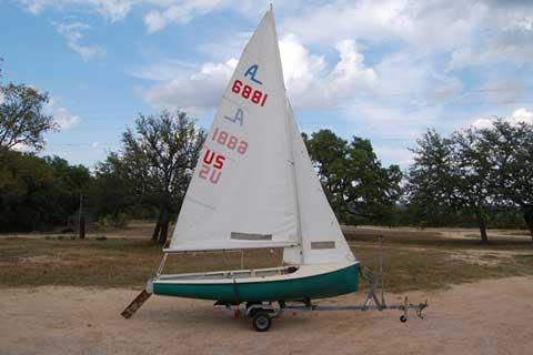 Albacore 15, 1981 sailboat