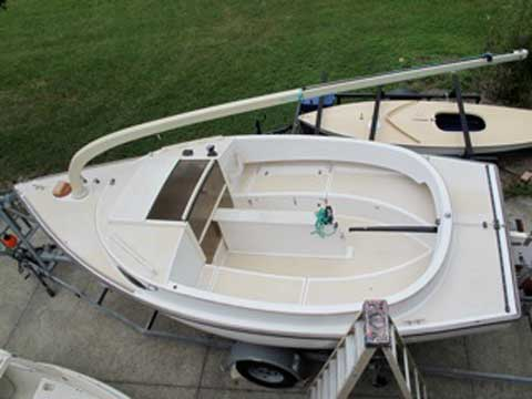 Alerion Cat 19, 2001 sailboat