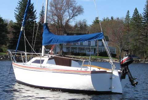 Catalina Capri 18, 1988 sailboat