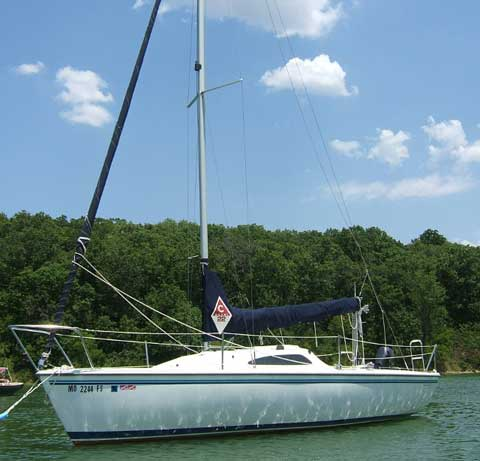 Capri 22, 2003 sailboat
