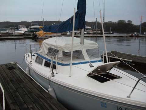 Catalina 22 Swing keel, 1982, Dubuque, Iowa, sailboat for