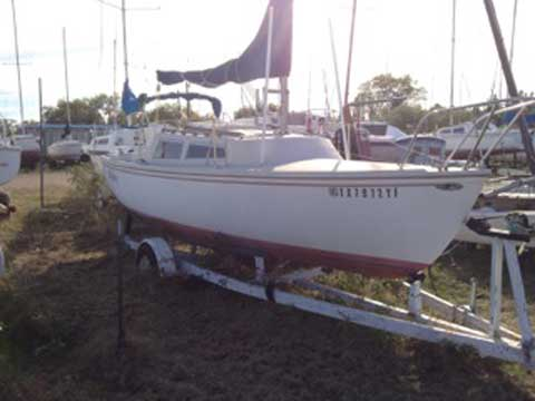 Catalina 22, 1975 sailboat