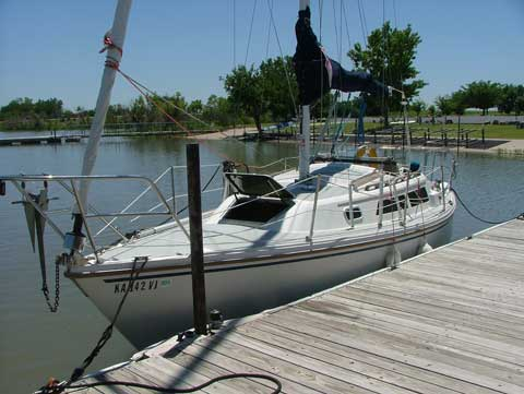 Catalina 27, 1988, El Dorado Lake near El Dorado, Kansas sailboat