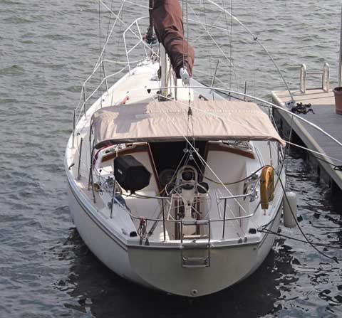 Catalina C-30, 1980 sailboat
