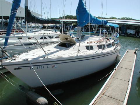 Catalina 30, 1982, Lake Grapevine, Texas sailboat