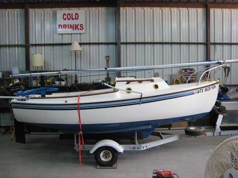 Hutchins Compac 16, 1981, Montague, Texas sailboat