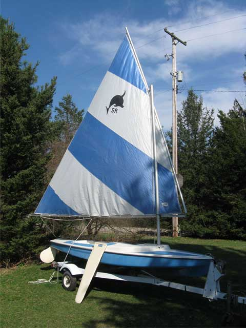 Dolphin Senior, 1975 sailboat