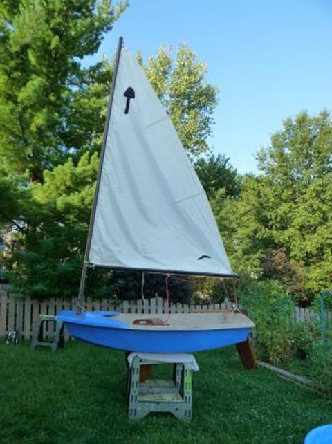 El Toro, 8 ft., St Charles, Missouri sailboat