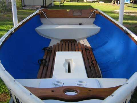 FATTY KNEES SAILING DINGHY, 9' sailboat