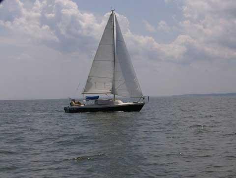 Helms 25ft swing keel, 1976 sailboat