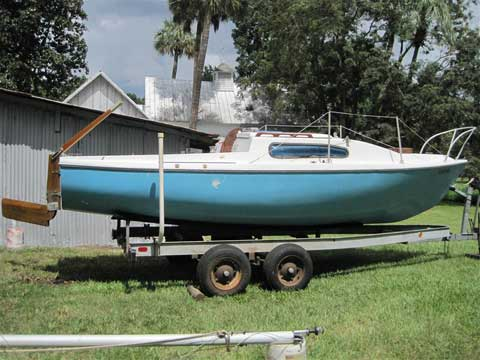 Helsen 22, 1977, Weirsdale, Florida sailboat